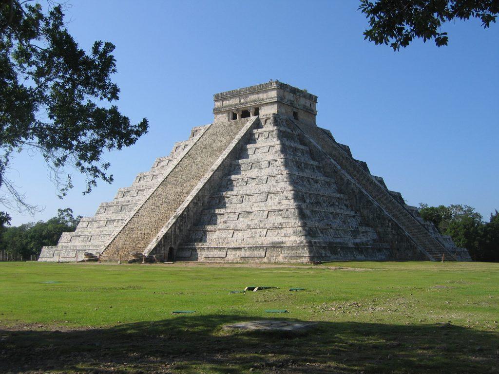Yucatán-félsziget, Mexikó, El Castillo piramistemplom